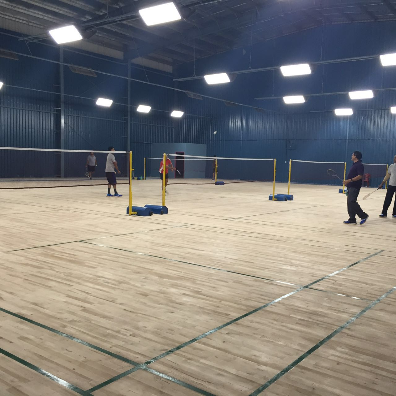 accolades badminton 6 wooden courts