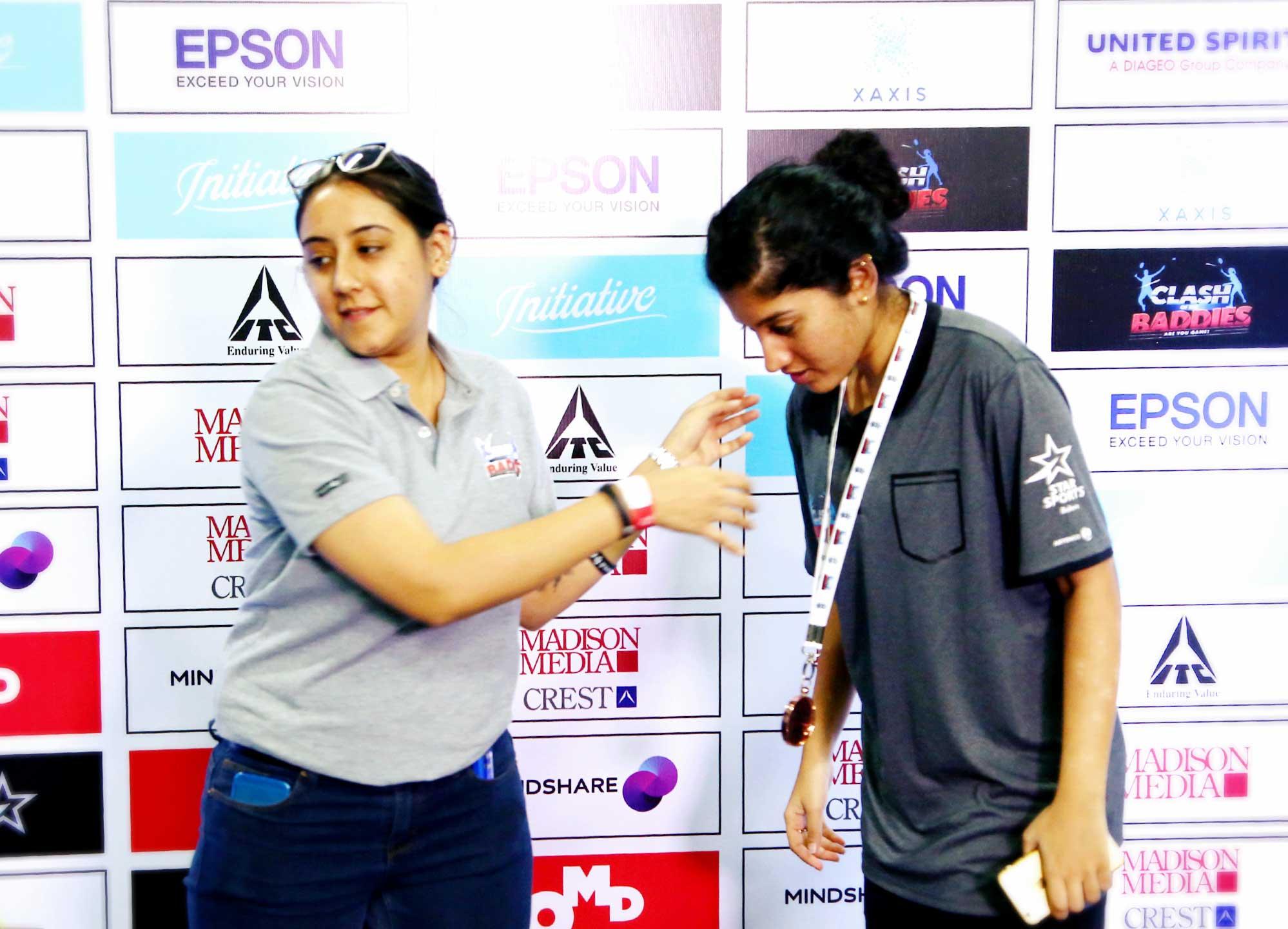 Anusha Raju receiving the winners award