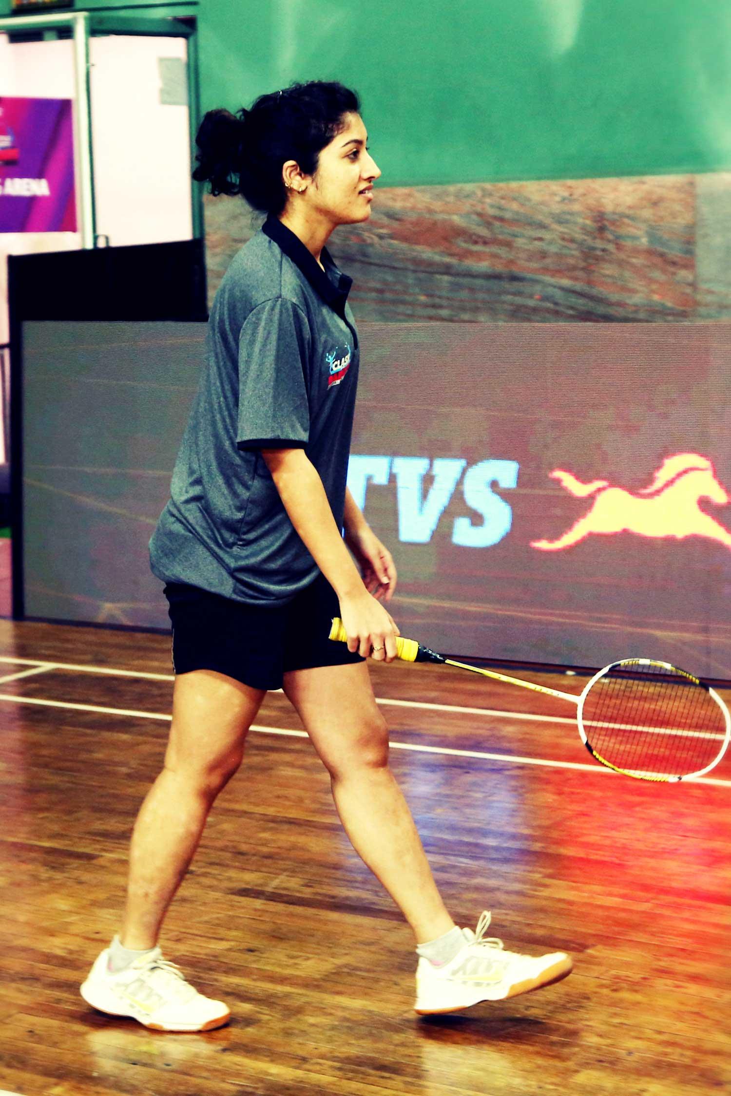 Anusha Raju playing Badminton