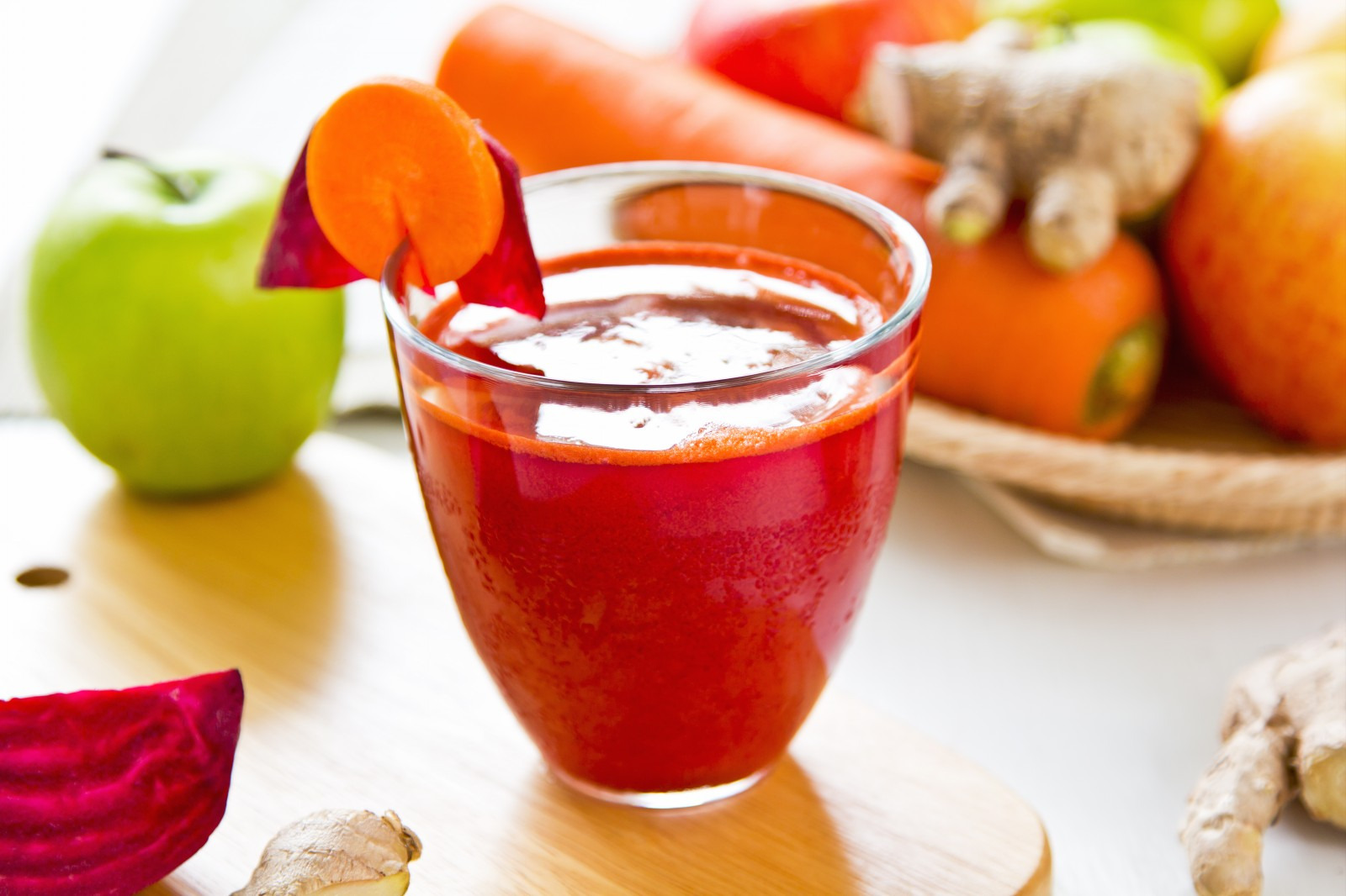 Beetroot-with-Carrot-apple-ginger-juice
