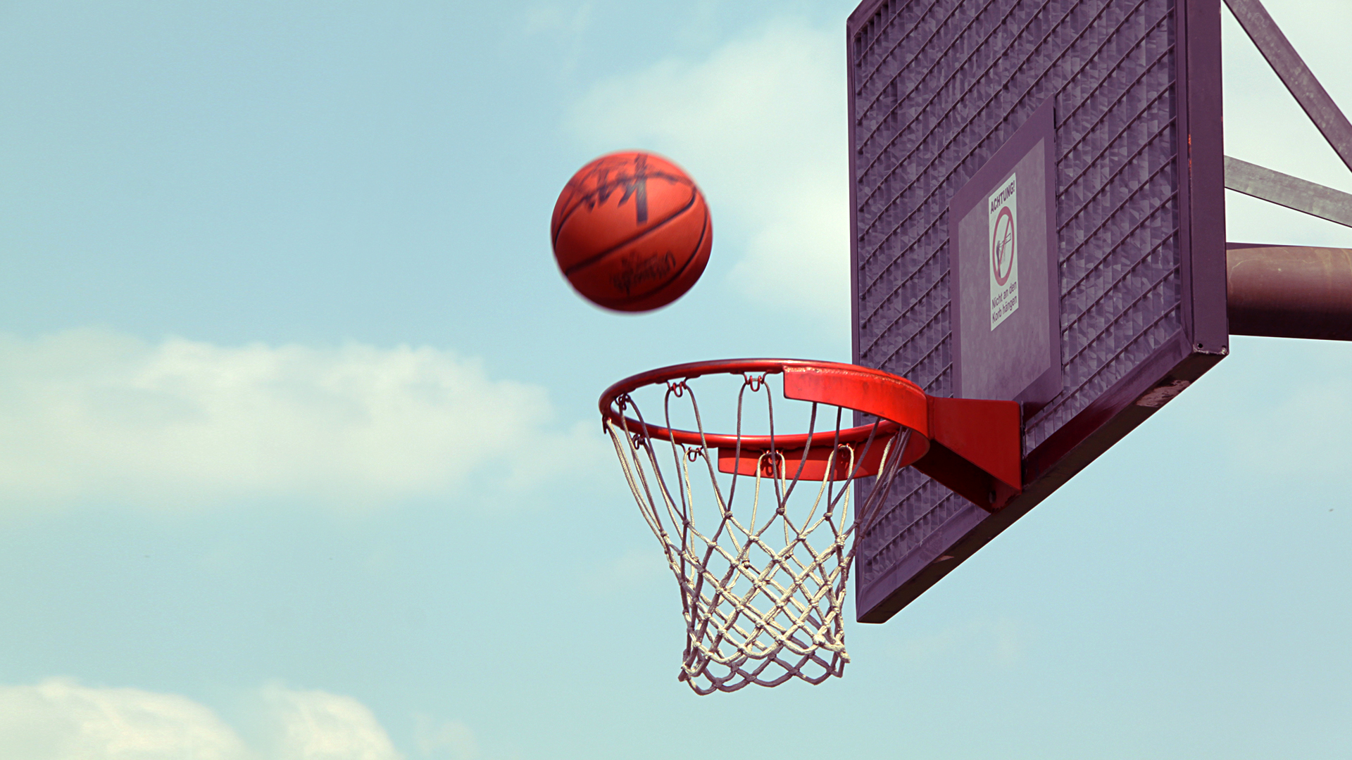 5 most economical sports that won 39 t burn a hole in your for How wide is a basketball court