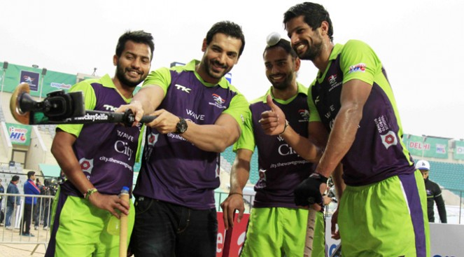 john abraham with delhi waveriders