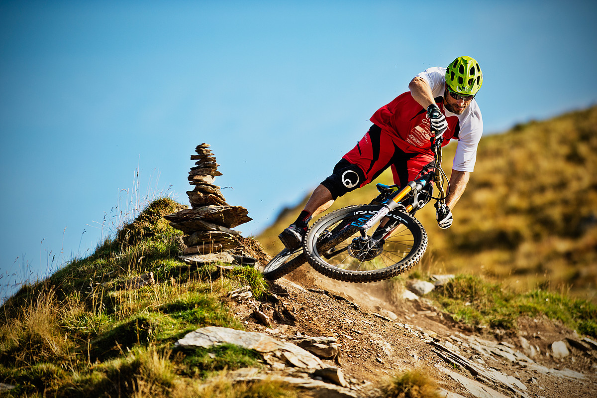 mountain biking sport