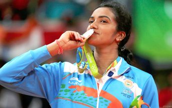 pv sindhu with the olympics silver medal