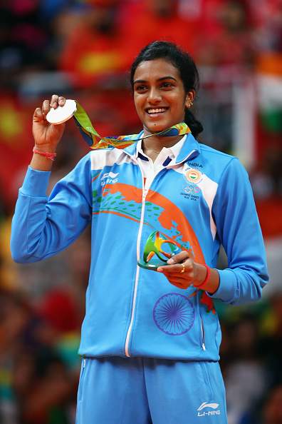 sindhu winning olympic silver medal