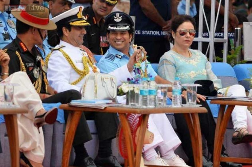 Sachin at the 82nd airforce day
