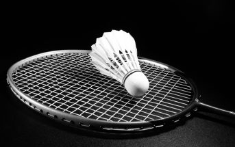 types of badminton rackets available
