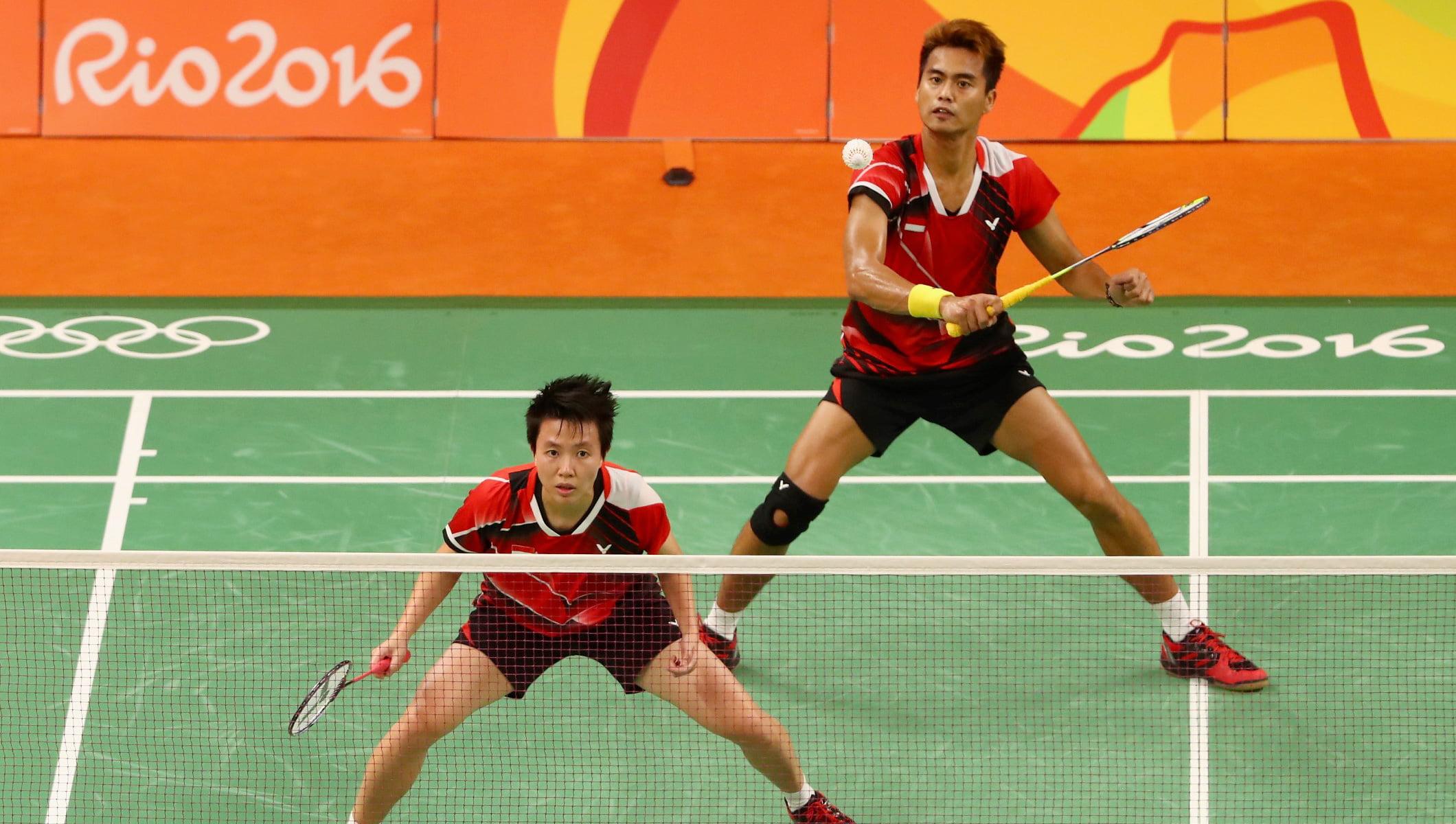 Badminton video asian, latina naked football fan