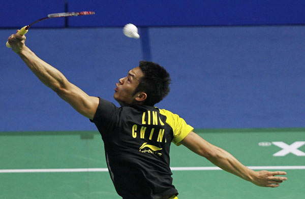 backhand shot badminton