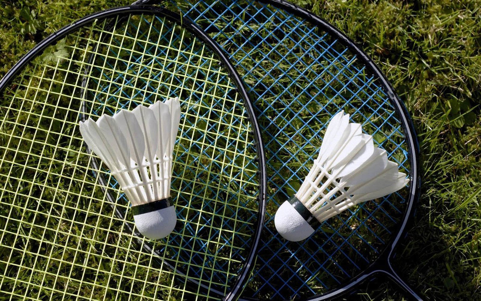 How To Take Proper Care Of Your Badminton Racket? - Playo