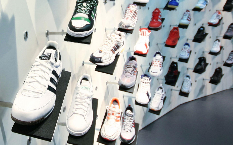 5 Non Marking Badminton Shoes That's