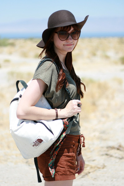 hiking hat