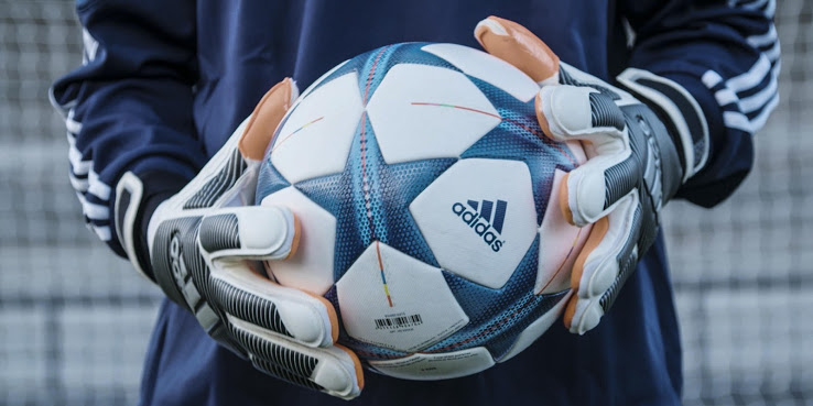 best goalkeeping football gloves