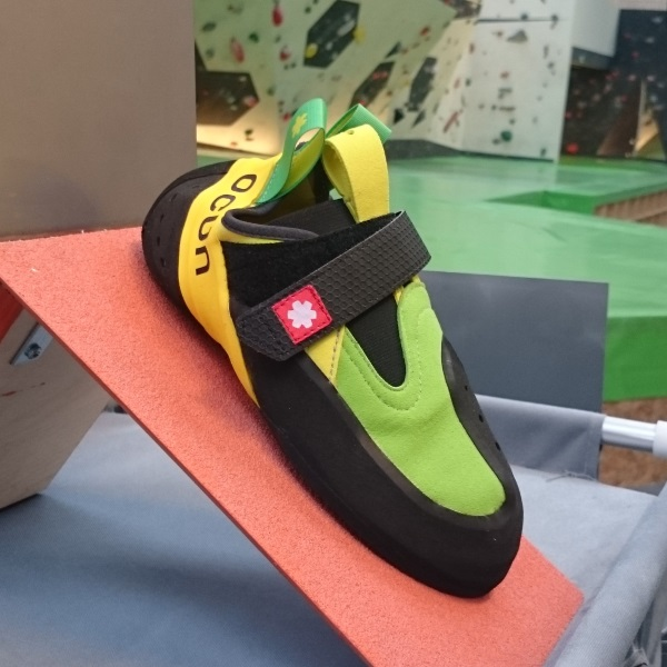 climbing shoe shape