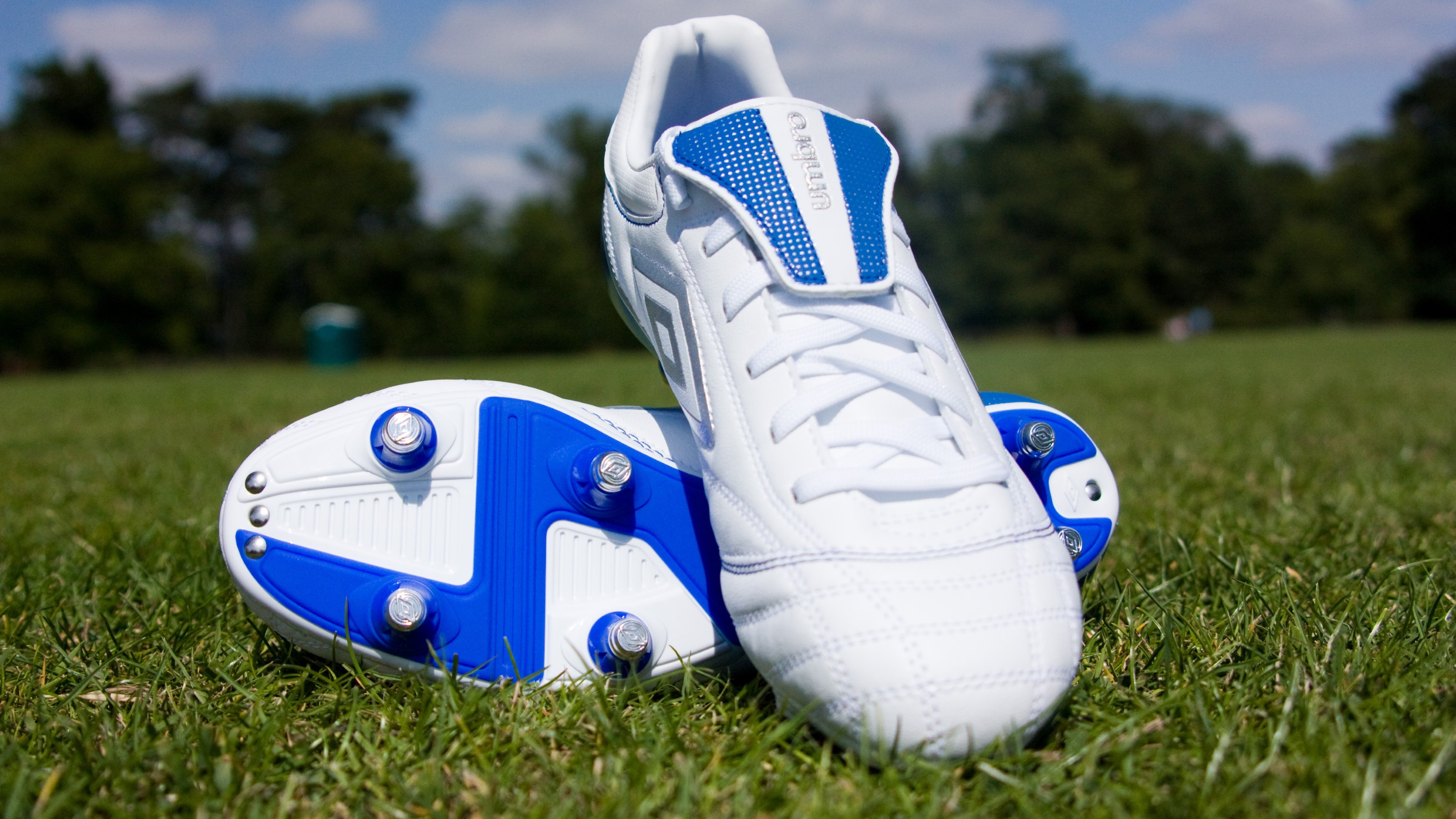 football shoes under 1500 rs, OFF 72%,Buy!