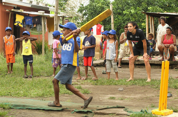 Sara+McGlashan+ICC+Vanuatu+Cricket+Development+iCsWEVX7VLUl