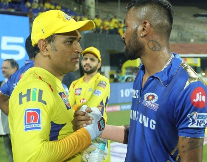 dhoni and pandya shaking hands after match